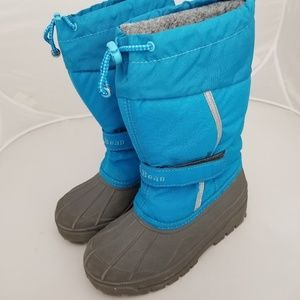 L.l.Bean snow boots Blue kids size 1 Boy